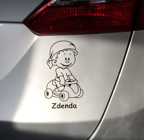 Samolepka na auto- dítě v autě